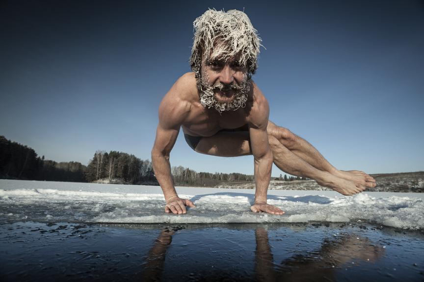 Yogaleicht-yogareise-Winterreise-erzgebirge-kreuztanne